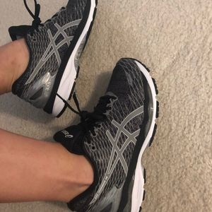 ASICS nimbus lite show limited MSRP $160 NWT
